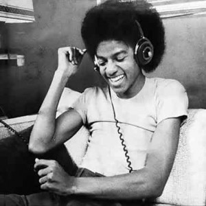 th_MichaelJackson-headphones
